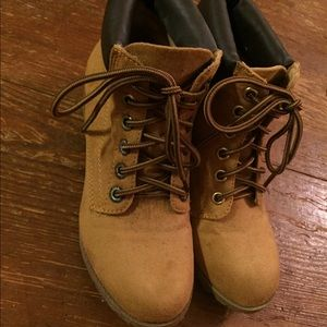 Faux suede carpenter boots like new